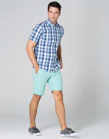 catalogo-cortefiel-2015-tendencias-moda-hombre-bermuda-pastel-camisa-cuadros