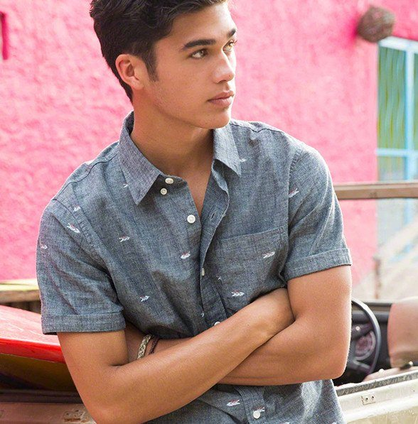 catalogo-hollister-2016-tendencias-hombre-camisa-hawaiana