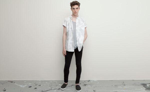 catalogo-pull-and-bear-2015-tendencias-moda-hombre-primavera-verano-camisa-manga-corta