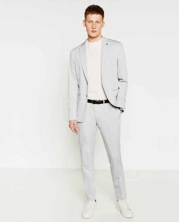 trajes-Zara-Primavera-Verano-gris-con-camiseta