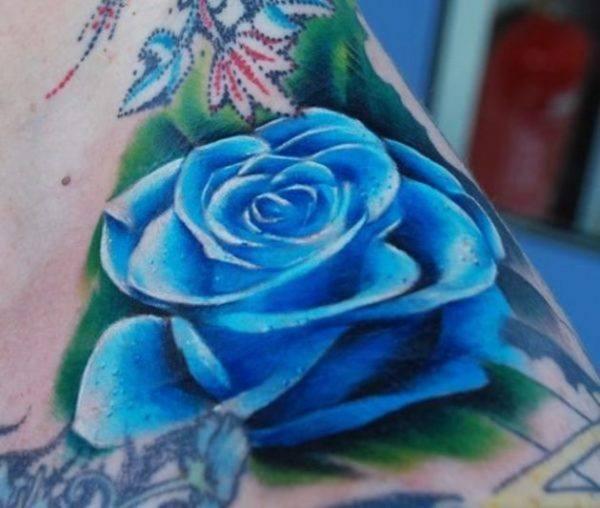fotos-de-tatuajes-de-la-rosa-azul-detalle