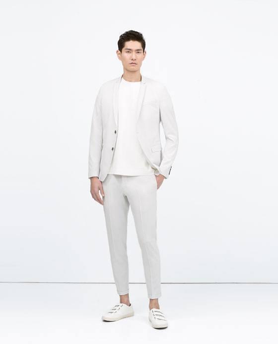 Vestido de blanco para hombres