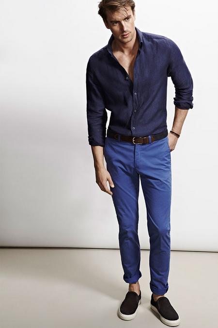 como-combinar-bien-el-azul-look-camisa-y-pantalon-azul-de-massimo-dutti