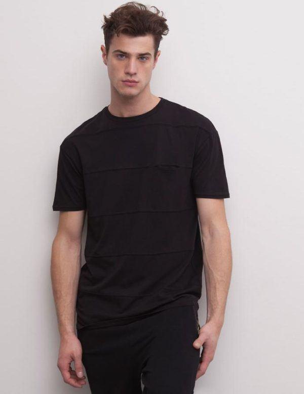 como-combinar-bien-el-negro-total-look-negro-pull-and-bear