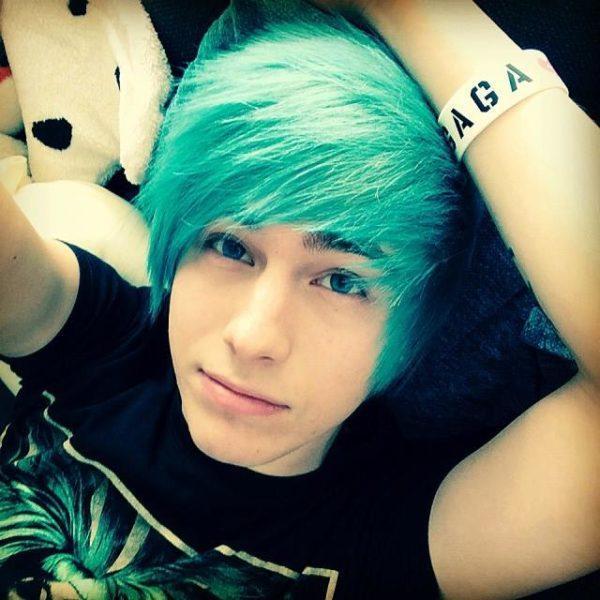 cortes-de-pelo-y-peinados-emo-50-fotos-cabello-color-verde