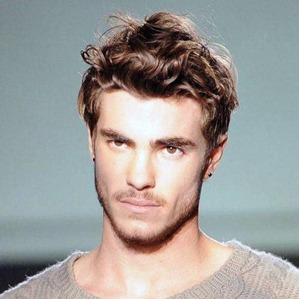 Cortes de pelo y peinados para hombres con cabello - Peinados hombres con entradas ...