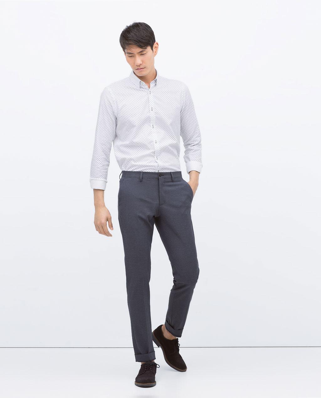 C mo combinar bien los colores de la ropa de hombre en for Que color asociar con el gris claro