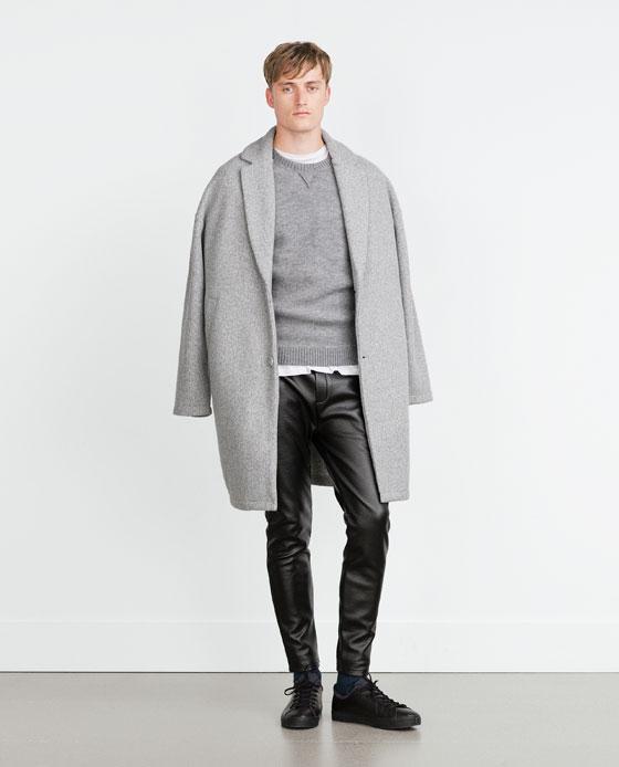 catalogo-zara-hombre-otono-invierno-2015-2016-abrigo-gris-pantalon-polipiel