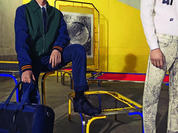 Catálogo Christian Dior hombre otoño invierno 2015-2016-pantalon-azul-botines-bolsa