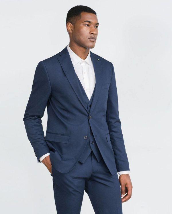 como-combinar-los-colores-de-la-ropa-blazer-azul-primavera-verano-2016