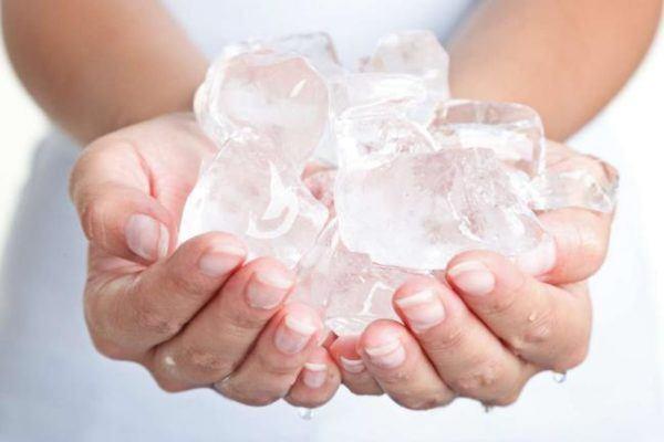 como-depilar-las-cejas-del-hombre-hielo