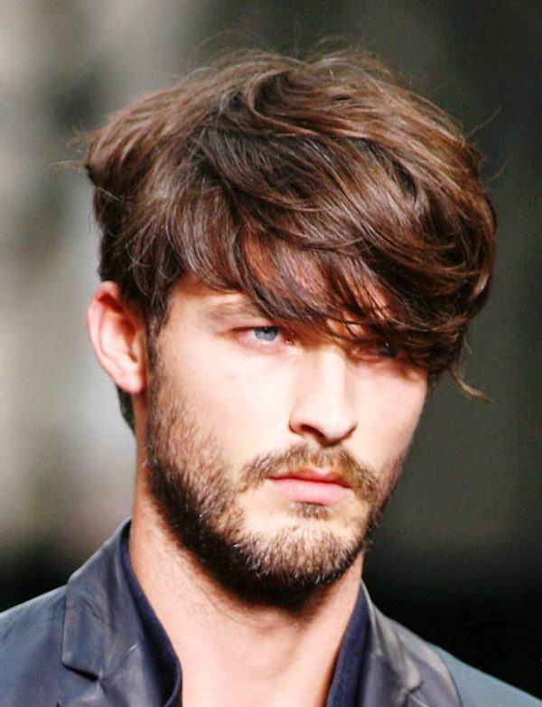 Las máscaras que restablecen para los cabellos muy estropeados