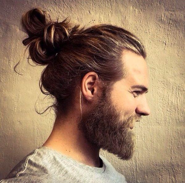 los-mejores-cortes-de-cabello-para-hombre-2015-pelo-largo-estilo-hipster-con-coleta