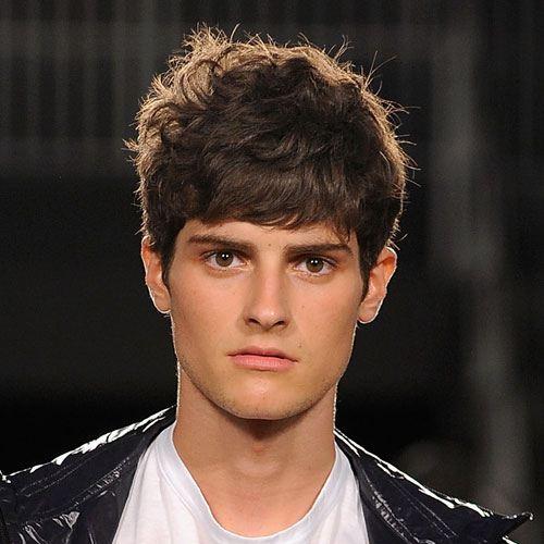 peinados-hombre-pelo-muy-corto-estilo-flequillo-despeinado