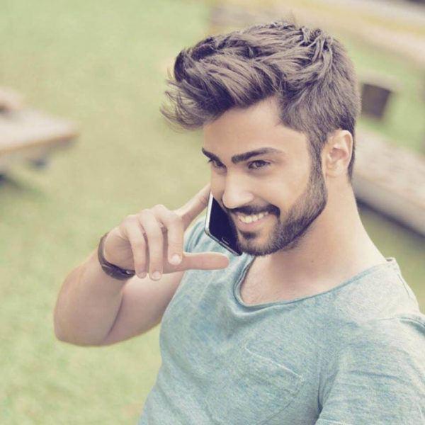 los-mejores-cortes-de-cabello-para-hombre-pelo-corto-primavera-verano-estilo-casual-despeinado