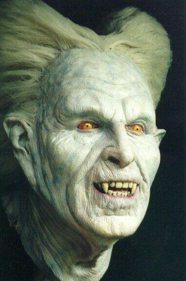 maquillaje-halloween-hombre-vampiro-cara