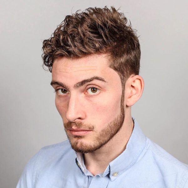 los-mejores-cortes-de-cabello-para-hombre-2016-pelo-ondulado-o-rizado-con-efecto-despeinado