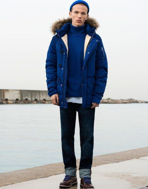 pull-and-bear-hombre-abrigo-azul