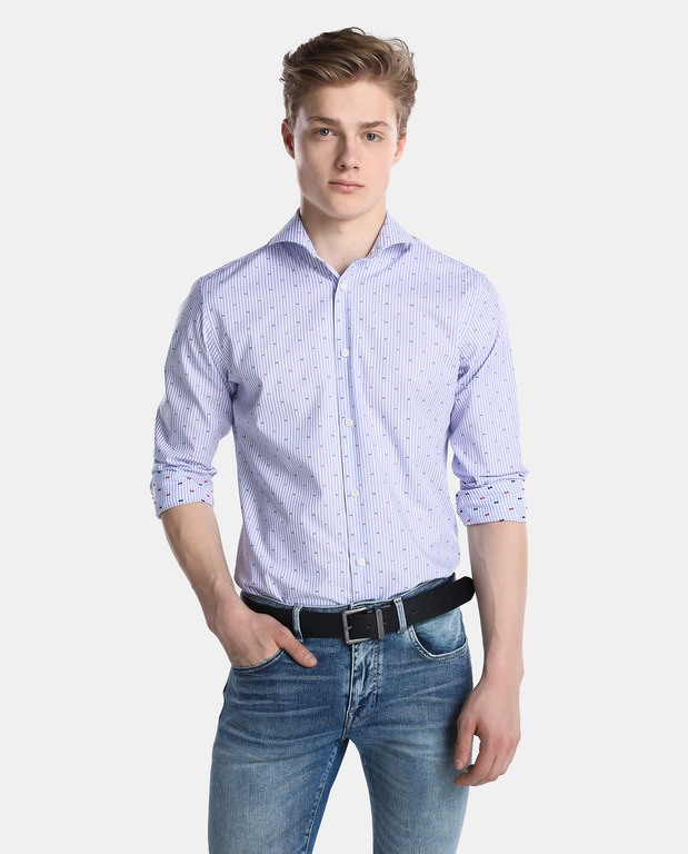 Como Combinar Bien Una Prenda De Color Azul Modaellos Com