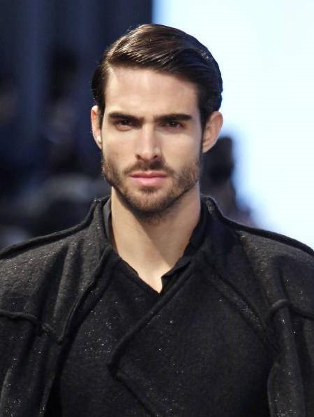 nuevos-cortes-de-pelo-y-peinados-masculinos-2016-estilo-clasico-raya-lado