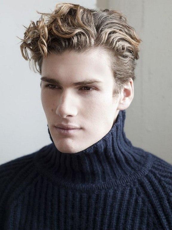 peinados-hombre-san-valentin-cabello-rizado