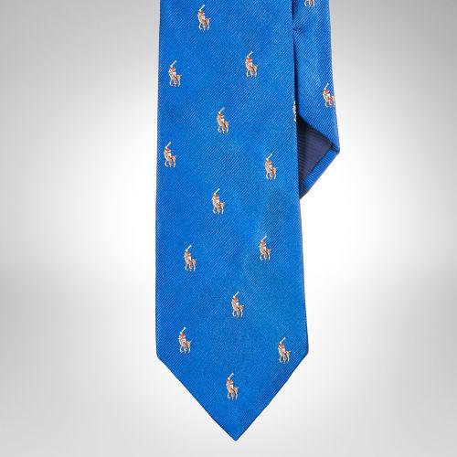 que-modelo-de-corbata-usar-para-el-dia-de-san-valentin-corbata-bordada