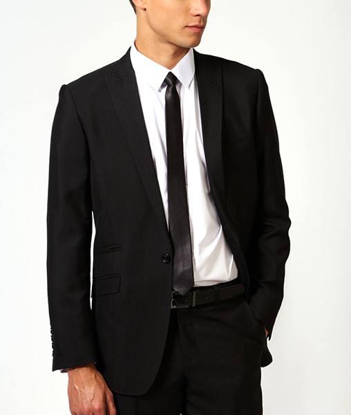 que-modelo-de-corbata-usar-para-el-dia-de-san-valentin-corbata-solida-y-delgada