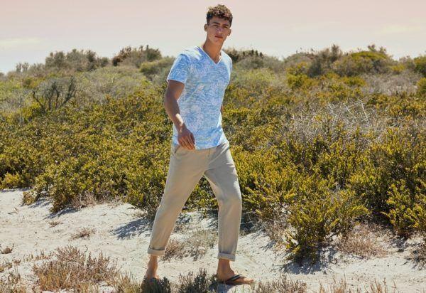 rebajas-prrimark-verano-hombre-2016-camiseta-estampada-pantalon-largo