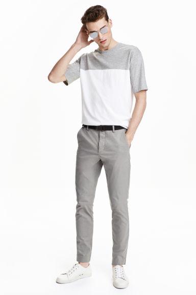 rebajas-verano-hm-2013-pantalongris-camiseta-franja