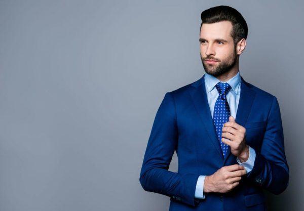 Como combinar corbata trajes