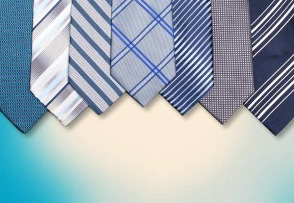 Como combinar corbatas estampadas