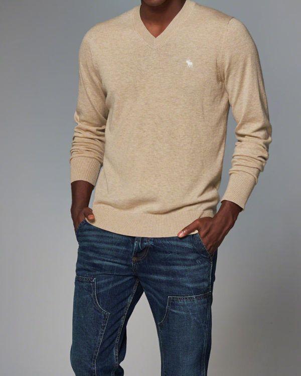 catalogo-abercrombie-otono-invierno-2016-2017-tendencias-moda-hombre-jersey-cuello-pico