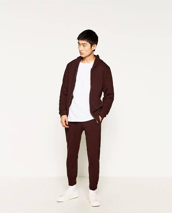 como-combinar-bien-los-colores-de-la-ropa-de-hombre-en-otono-invierno-2016-2017-borgona-blanco