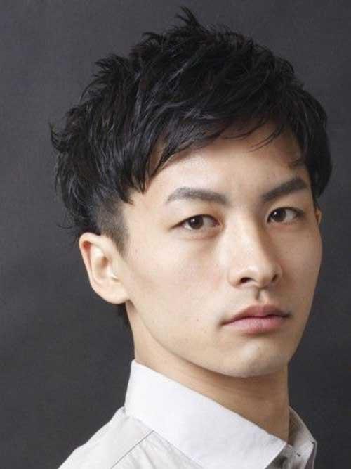 cortes-de-cabello-japoneses-y-coreanos-para-hombres-otono-invierno-2016-2017-flequillo-de-lado