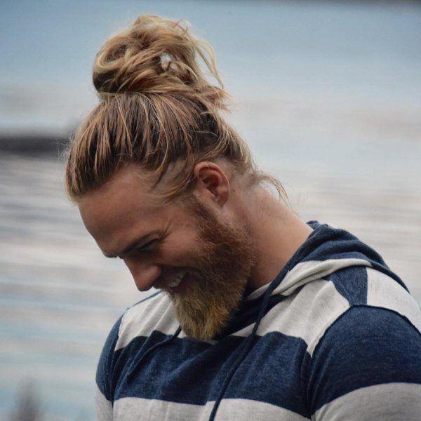 Los-mejores-cortes-de-cabello-hipster-hombre-Otoño-invierno 2016-2017-Pelo-largo-recogido