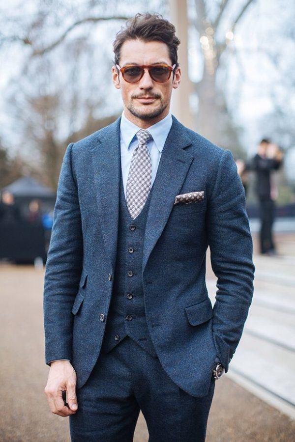 como-combinar-un-traje-azul-marino-chaleco