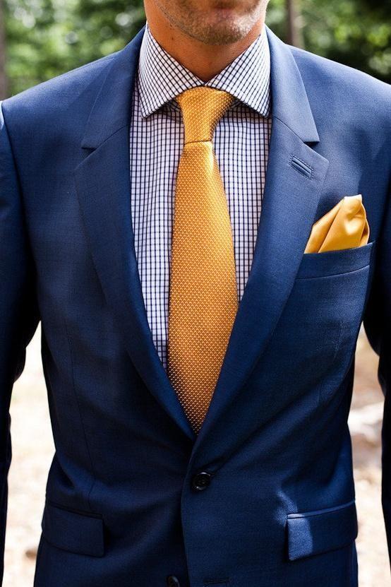 como-combinar-un-traje-azul-marino-color