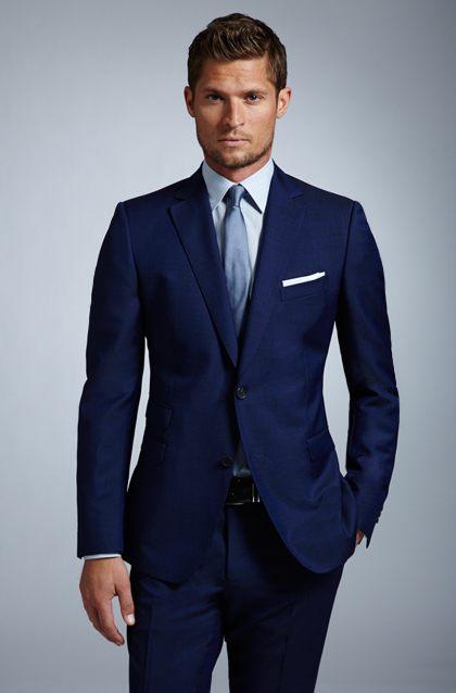 traje-azul-marino-combinaciones-camisa-color-oscuro