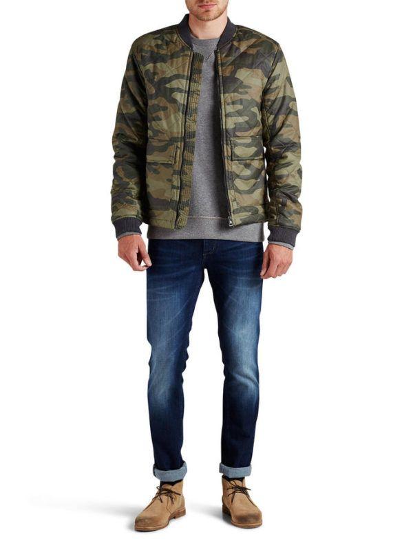 catalogo-jack-jones-otono-invierno-2016-2017-tendencias-moda-hombre-cazadora-acolchada-militar