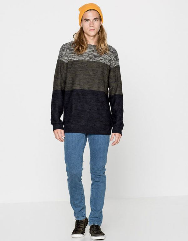 catalogo-pull-bear-otono-invierno-2016-2017-tendencias-moda-hombre-jersey-cuello-redondo