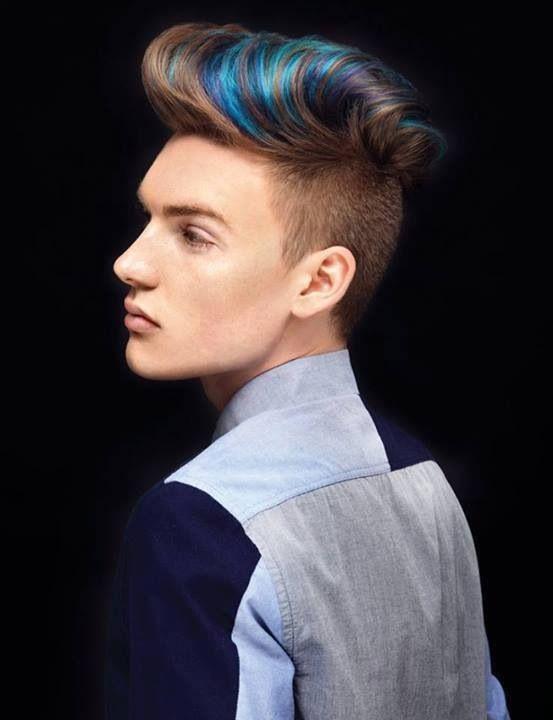 colores-para-el-cabello-hombres-mechas-azules