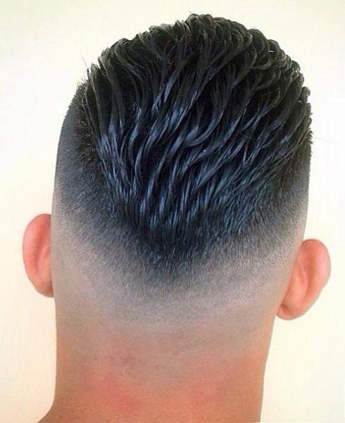 cortes-de-pelo-corto-hombre-degradado-moreno-largo