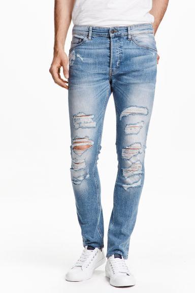 catalogos-tendencias-moda-hombre-otoño-invierno-2016-2017-jeans-h&m-rotos