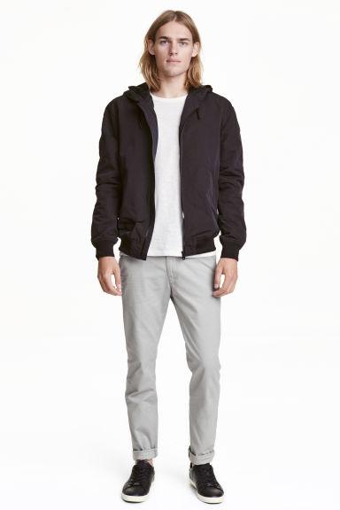 catalogos-tendencias-moda-hombre-otoño-invierno-2016-2017-pantalones-h&m-chinos