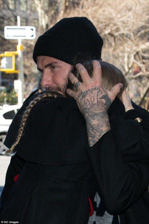 las-fotos-de-tatuajes-de-hombre-famosos-david-beckham-tatuaje-en-el-dedo