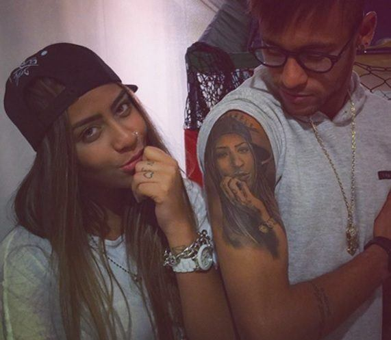 las-fotos-de-tatuajes-de-hombre-famosos-neymar-hermana-brazo
