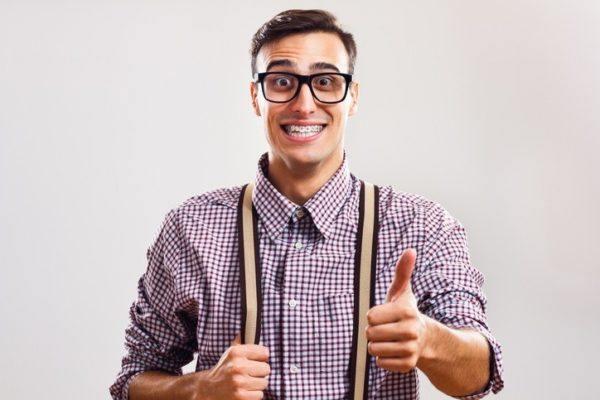 Brackets para hombres sonrisa