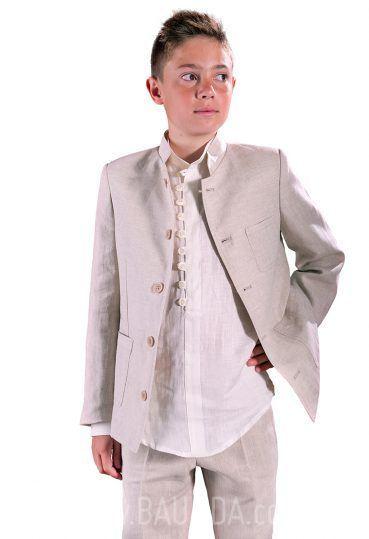 Para los que busquéis un traje de comunión con estilo realmente moderno para  los niños ... 423fb38e230