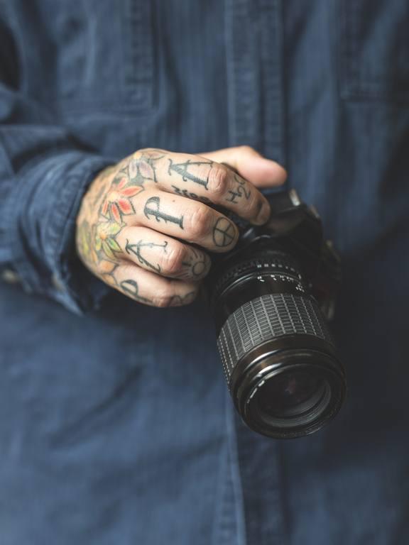 Tatuajes en la mano de nombres para hombres papa
