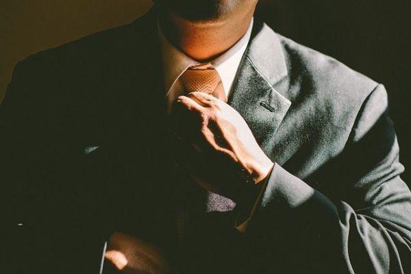 comprar-ropa-online-chaqueta-corbata-hombre